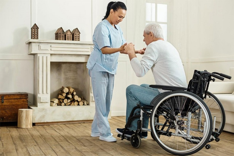 How Home Health Care Service Aid With Elderly People That Helps