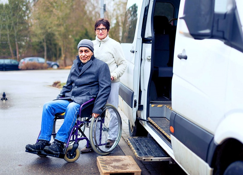 How Medical Transportation Helps While Patient in ill